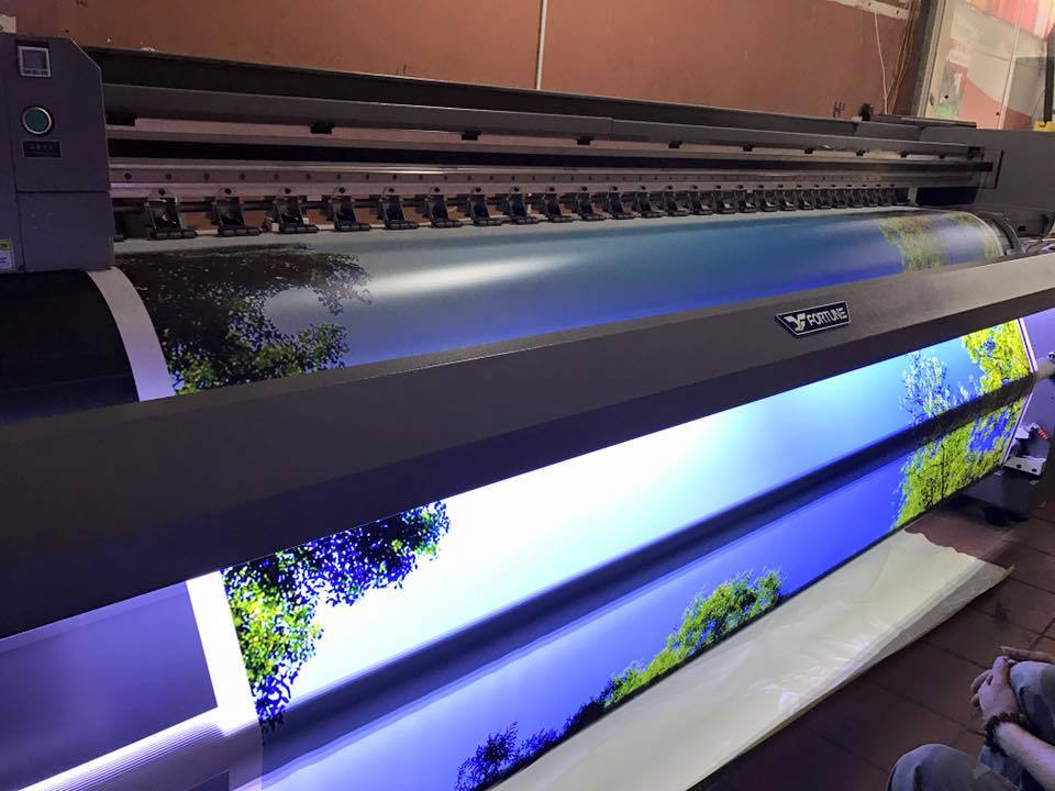 Tìm hiểu các loại máy in UV